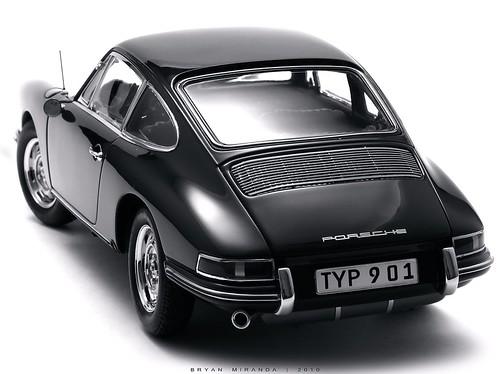 Porsche 1964 Type 901 - Irish Green (Black & White)