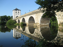 Perfect reflection (Rob de Hero) Tags: bridge reflection river germany deutschland brücke spiegelung lahn limburg bridgetower fourrings flus brückenturm