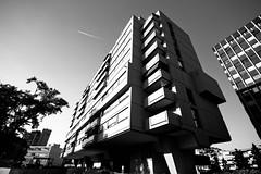 Beton Oerlikon #5 (yago1.com) Tags: urban bw white black architecture canon schweiz stadt architektur build zuerich beton 2010 oerlikon mimoa eos7d yago1