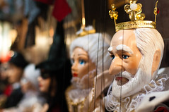 King and Queen (Rhyick) Tags: wood colors june toy toys store nikon europe doll king hand czech prague puppet bokeh handmade witch craft praha queen made string czechrepublic crown nikkor figurine marionette 2010 35mmf18 d5000 35mmf18g