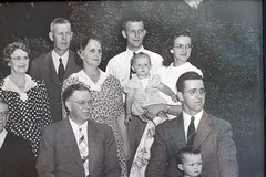 Multi-generational picture from 1946.