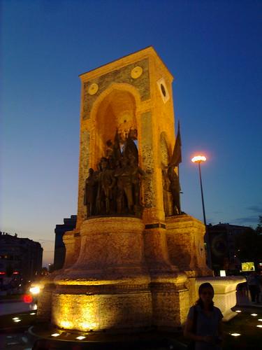 Monument in Taksim