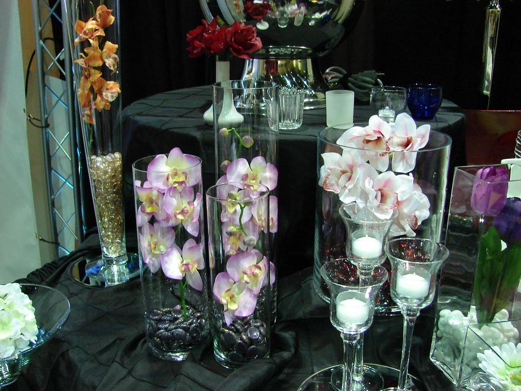 Event Essentials Table Decor at 2010 Summer Bridal Show