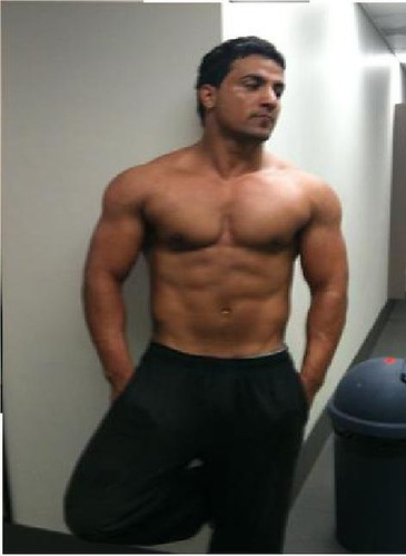 muscular Facebook