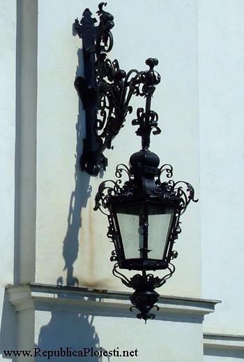Palatul Ghita Ionescu - candelabru