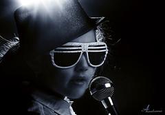 Sing ... sing a song [ Explore ] (ANOODONNA) Tags: portrait girl studio song explore sing canonef2470mmf28lusm بورتريه canoneos50d singsingasong anoodonna العنودالرشيد alanoodalrasheed