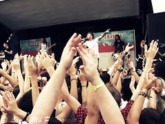 Emarosa (Warped Tour Toronto 2010) ( LaurenMb Photography) Tags: white toronto canada hall tour er warped jordan stewart will lukas craig jonny arrow jonas sowers koszewski emarosa ladekjaer