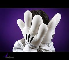Peekaboo =  (ANOODONNA) Tags: purple peekaboo mickey canonef2470mmf28lusm canoneos50d anoodonna  alanoodalrasheed