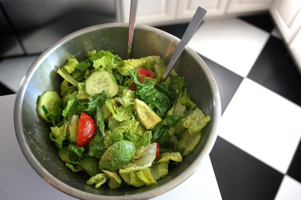 Mom's Green Salad - Shutterbean