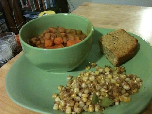 Corn, beans & sweet potato chili, cornbread