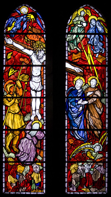 Holy Cross window (Reyntiens)