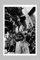 City Abstract - Deco de Sol (伍角船板.內湖) - 2 (Leche con Compasio) Tags: bw abstract building film taiwan taipei 台灣 台北 建築 黑白 nikonf3hp 內湖 selfdeveloped 抽象 伍角船板 naihu fujifilmneopan400 d761110min nikkor28mmf2 富士底片 手工沖片