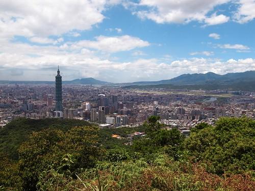 南港山看台北