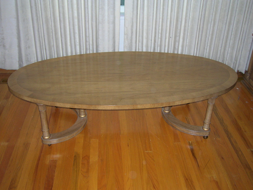 DSCN0723/Oval Coffee Table