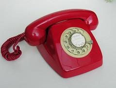 Phone (Teléfono) Heraldo (vicent.zp) Tags: red españa vintage spain rojo telephone plastic teléfono 70s plastico seventies telefono heraldo