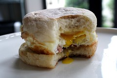 egg muffin (denkschema) Tags: food egg homemade englishmuffin pancetta gouda