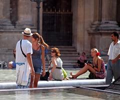 tourists (zoetnet) Tags: paris france louvre tourists