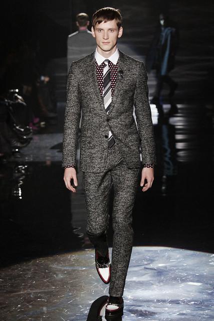 Bastiaan Ninaber3011_FW09_Milan_Gucci(VOGUEcom)