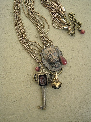 Guardian of the Palace-Romantic Vintage Lion, Ring and Key Necklace