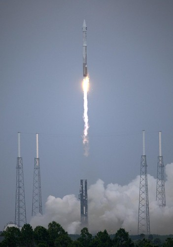 ...And the Atlas V Clears the Tower