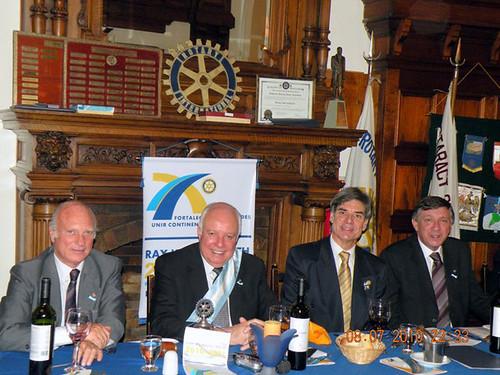Rotar Junio 2010 mesa cabecera1