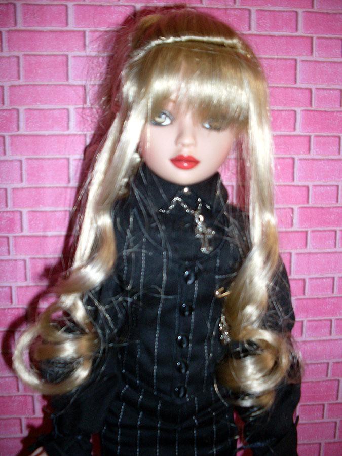 Penny - Pénélope LANE - arrive à la maison (Pale Memories) 4873294783_4a28b18598_o