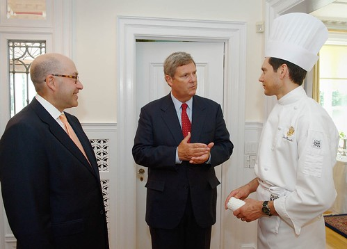 Secretary Vilsack talks with U.S. Ambassador David Jacobson and Chef Dino Ovcaric about the U.S. foods featured during the tasteUS! culinary showcase in Ottawa.