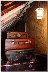Sherlock Holmes's bags (Marti Margarit) Tags: inglaterra england london museum museu unitedkingdom scene case londres murder crim museo sherlockholmes bakerstreet cas reinounido crimen escena caso anglaterra regneunit