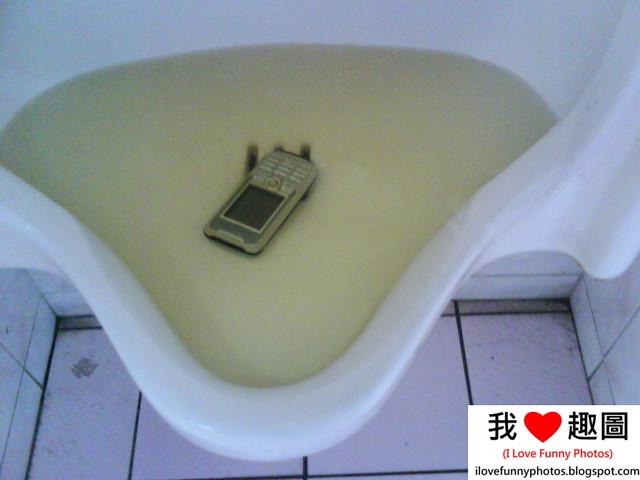 這手機.......還要嗎