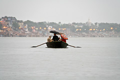 A rainy day in the Gange river at Varanasi, Uttar Pradesh, India (fabriziogiordano23) Tags: trip travel india holiday water rain river boat asia barca day fiume rainy journey indie varanasi acqua pioggia viaggio aasia vacanza benares autofocus indland  gange    beautifulphoto   flickraward  flickrestrellas  fabbow