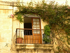 Balcone nel verde (zobeide83) Tags: verde green leaves foglie malta piante valletta balcone lavalletta mygearandmepremium mygearandmebronze