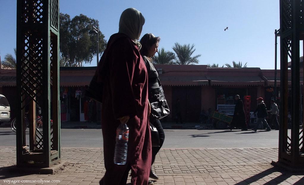 Deux femmes qui passent…