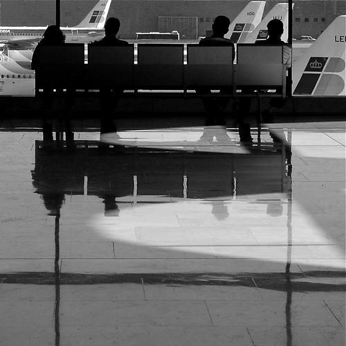 aeropuerto - esperando para volar by eMecHe