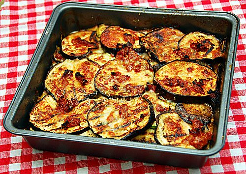 parmigiana di zucchini e melanzane