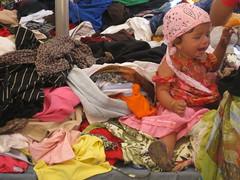 ...quando i bambini fanno  uhèeè (terevinci) Tags: italy baby market cry mercato bimba pianto piangere
