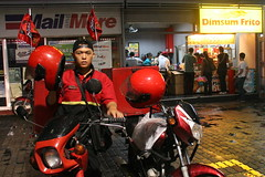 pizza hut delivery or dimsum frito dine-in? (.emong) Tags: street portrait canon restaurant helmet photojournalism documentary canoneos20d motorbike pinoy humaninterest sigma18200mm