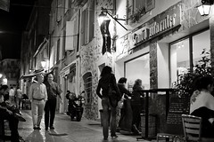 Saint-Tropez (Matthias Rhomberg) Tags: street vacation people bw france saint night lights nikon tropez ctedazur promenade crpes grandmarnier sainttropez d700 nikorr50mmf14g