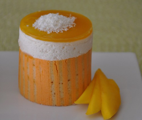 coconut and mango individual mousse cake