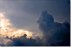 Uma nuvem... um perfil... (Marina Linhares) Tags: sunset pordosol sky cloud perfil profile céu nuvem mygearandme