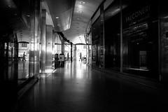 Esercizi di Street Photography (MI) (Ondablv) Tags: street galleria milano composizione riflessi punto fuga passo lungo soggetto metropolitanan metrò persona bianco nero blach white city ondablv geometrie geometria leica serie q workshop akademie