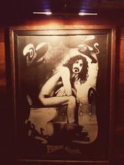 Tá i o Frank #Zappa #cagando procê!   Frank Zappa #shitting for u !  #FrankZappa #JohnBull #bar #boteco #Floripa (PioDeCuritiba) Tags: boteco johnbull cagando shitting floripa zappa frankzappa bar