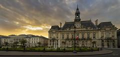 Tours (Sugarth/Photo) Tags: tours france mairie ciel sonya7 1635mmf4