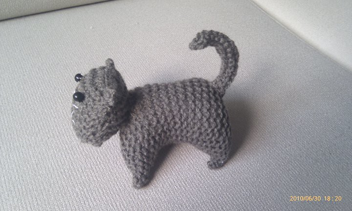 Easy Knitted Cat Free Pattern | Knitting projects, Kids knitting ... | 431x720