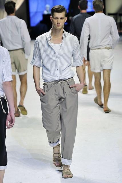 Theo Hall3060_SS11_Milan_Dolce&Gabbana(VOGUEcom)