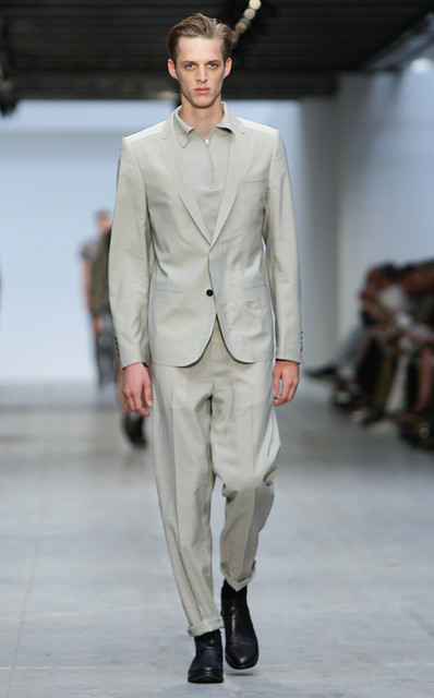 Benoni Loos3174_SS11_Milan_Costume National(Coutorture com)