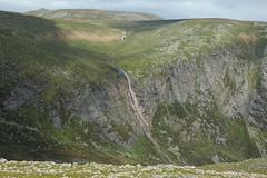 Eagles Rock and Lochnagar (Paul Sammonds) Tags: mountain river scotland doll glen cairn esk bannoch glenesk
