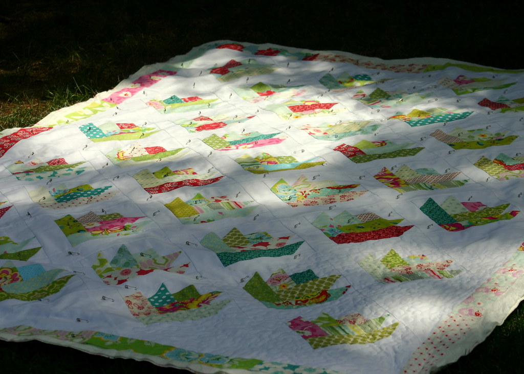 Floral Bouquet Quilt - twin size with border