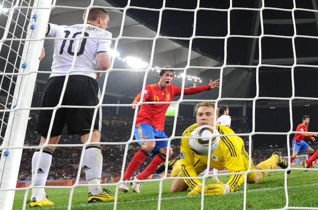 Foto gol España Alemania Semifinal Mundial