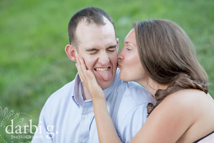 DarbiGPhotography-Kansas City wedding photography-engagement photography-Kansas City Country Club Plaza-114