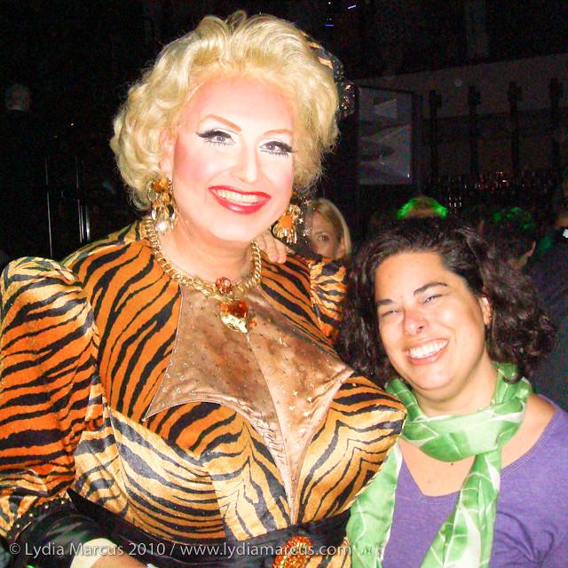 A Tigress & A Cougar - Meowwwwww!